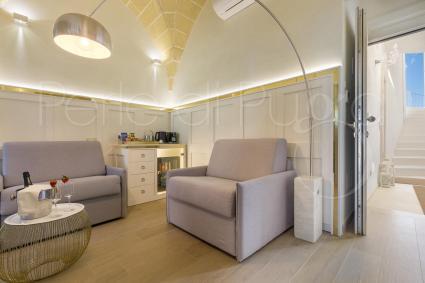 Egea Junior Suite is an elegant double room in luxury b & b in Salento