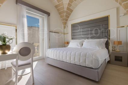 The Egea suite has beautiful star vaults that enhance the Lecce stone